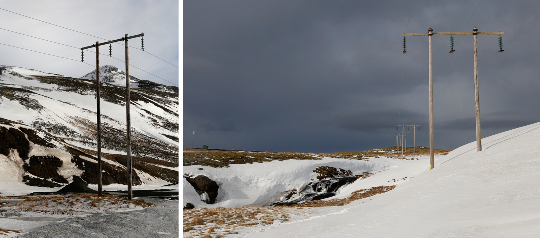 Strommasten ruhen in einer verschneiten Landschaft, die keine Anzeichen von menschlichem oder tierischen Leben birgt, aber einen Bach, der als stufenförmiger Wasserfall den Berg hinabstürzt.